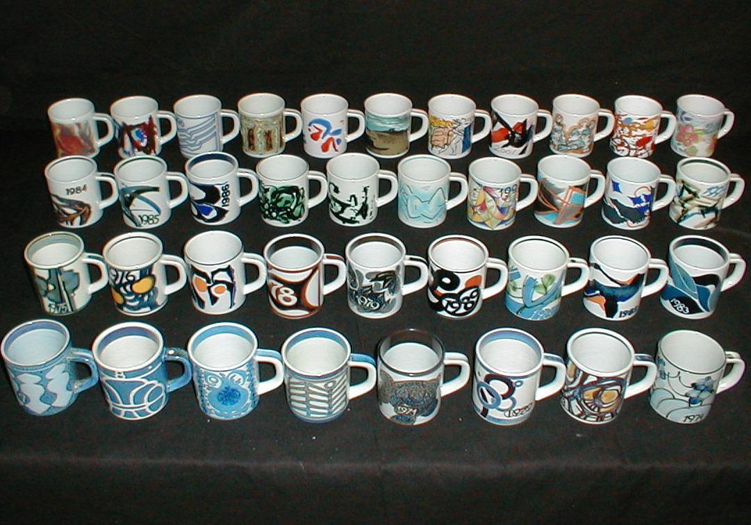 cf3e300ad4c6 Små lille årskrusfremstillet siden 1967 designet af forskellige kunstnere.  Year Mug small Royal Copenhagen feience (PRICES TOP OF PAGE)