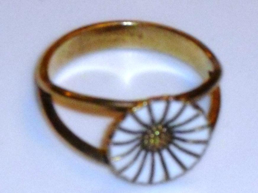 db80c4a39a7 MARGUERIT MARGURIT MARGERIT smykker brocher ørestikker øreringe ...